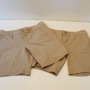 Lot of 2 size 2 Aeropostale khaki bermuda shorts